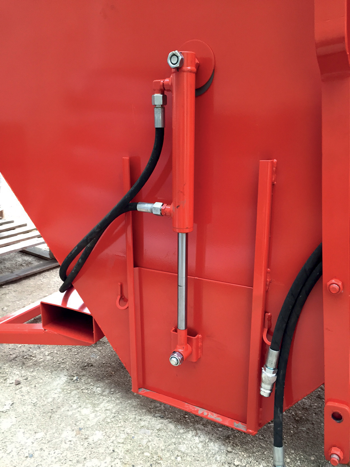 Trémie 2000L - Ouverture hydraulique